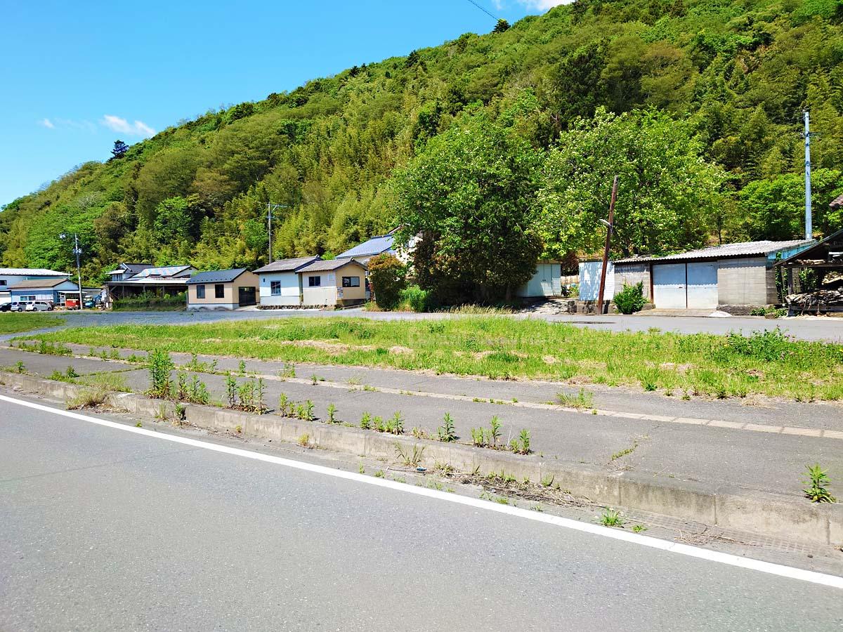 トヤケ森山登り口の広場