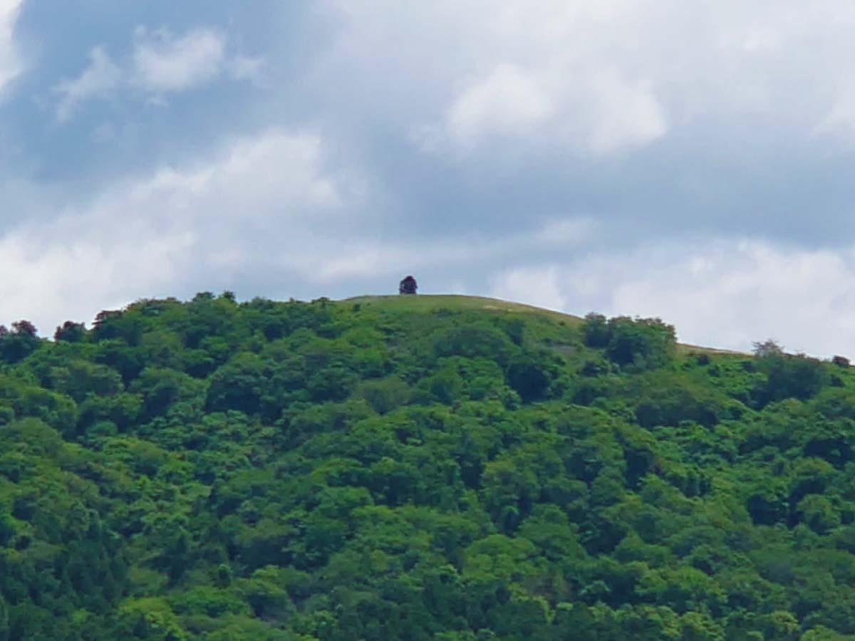 三陸道から見たトヤケ森山
