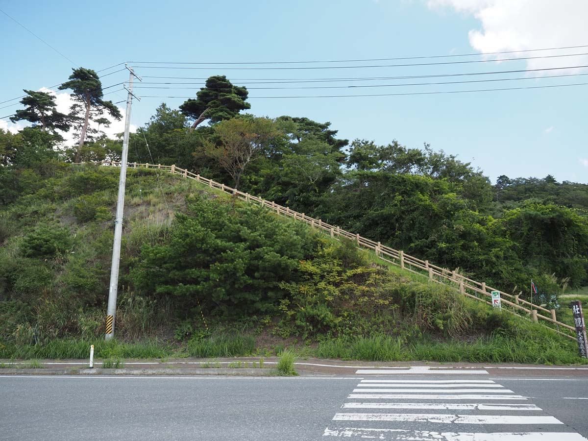 縄文村への入り口